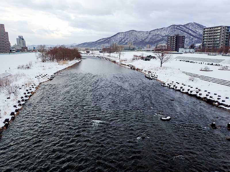 2015年12月24日の豊平川